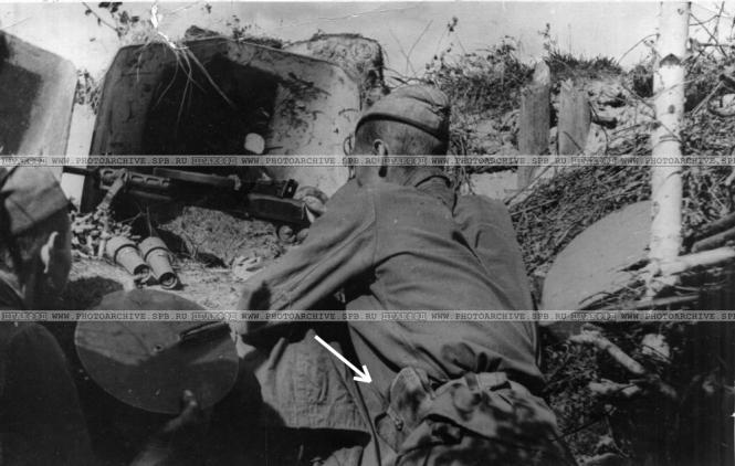 4. Пулеметчики Другинни и Ермаков, Лен фр. июль 1942 (Тарасевич В.С